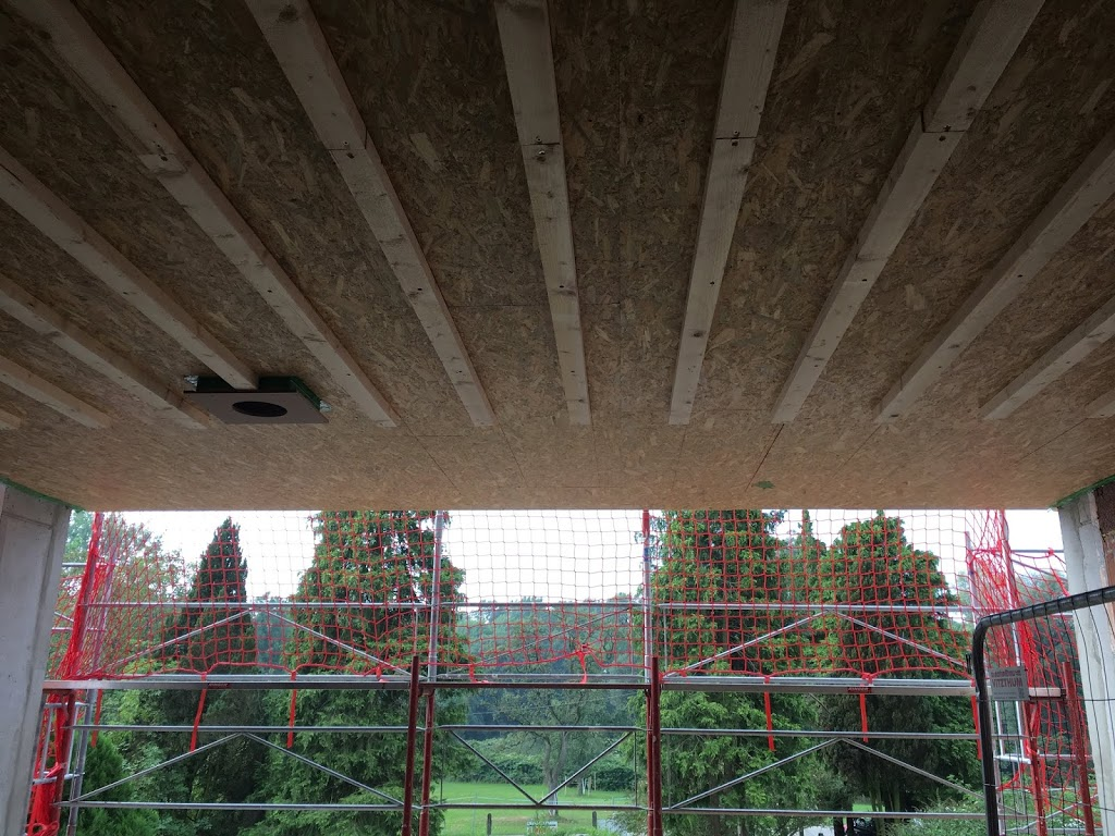 Holzdecke Installationsebene