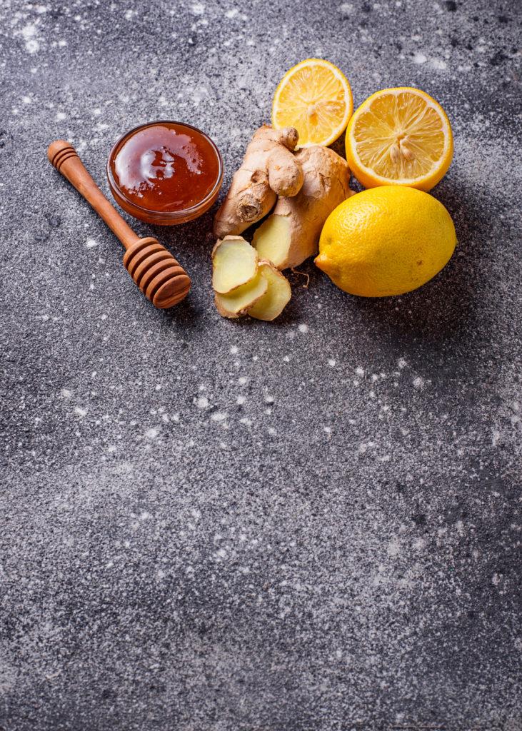 Ingwer, Zitrone und Honig bei Übelkeit in der Schwangerschaft
